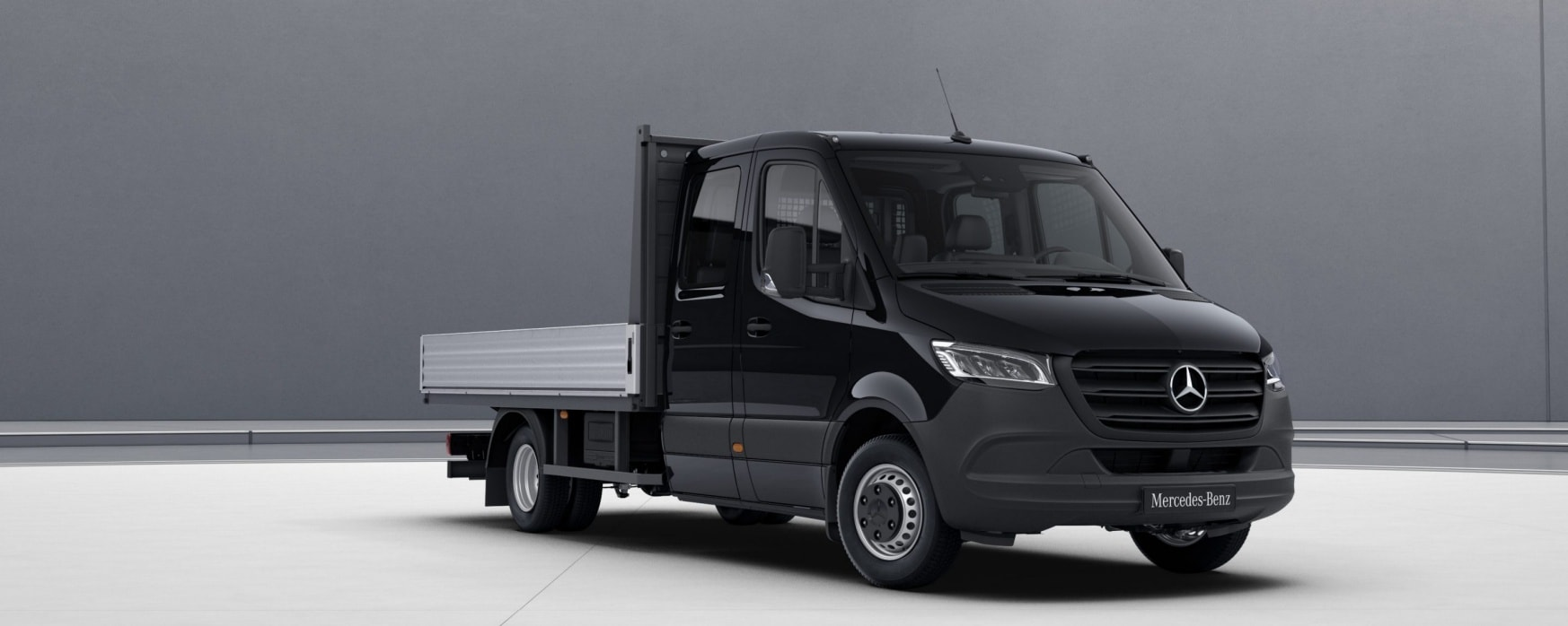 Sprinter Platform Vehicle, deep black