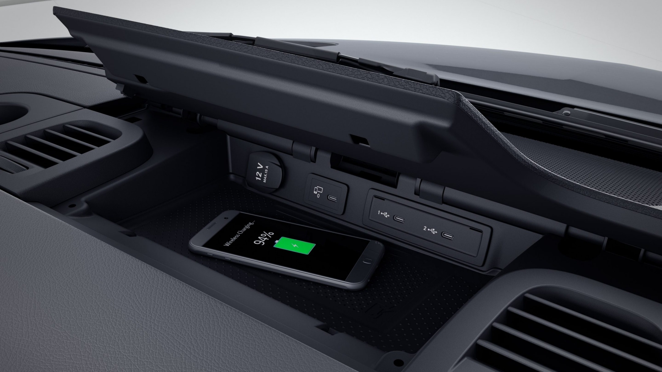 Sprinter Panel Van, wireless charging