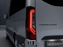 Sprinter minibus tourer, features, safety, adaptive brake lights