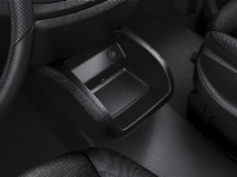 Vito Tourer, centre console with stowage compartment