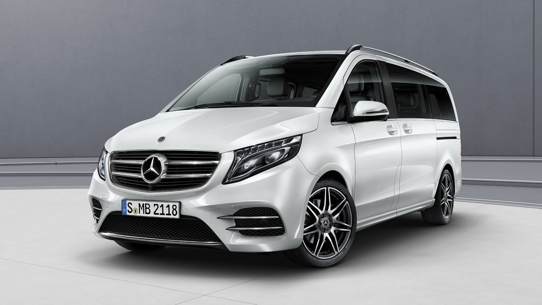 V-Class, Features, Equipment, AMG Line, Exterior, Upfront confidence, Bumper