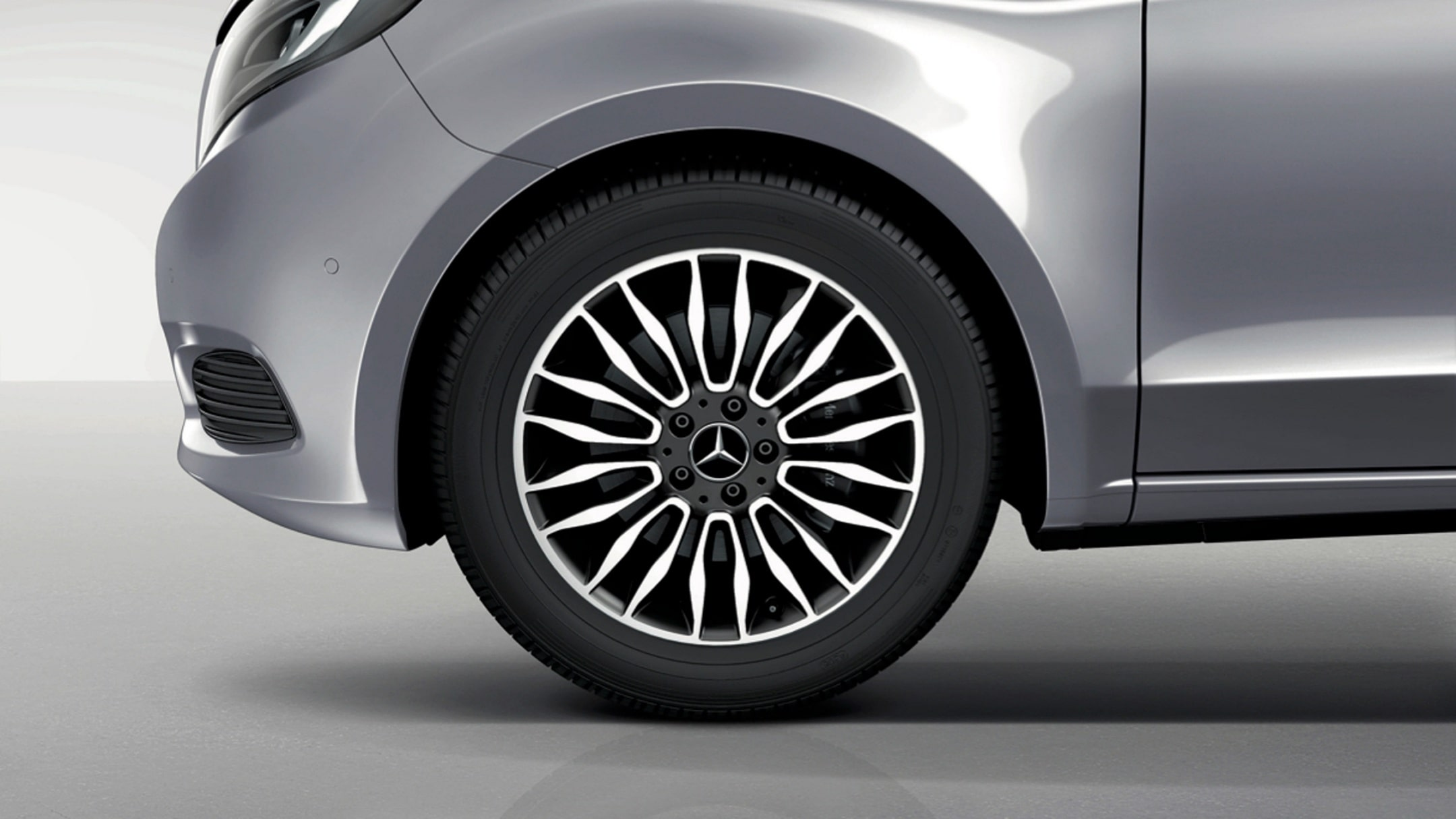 V-Class, Features, Accessories, 10 twin spoke wheel