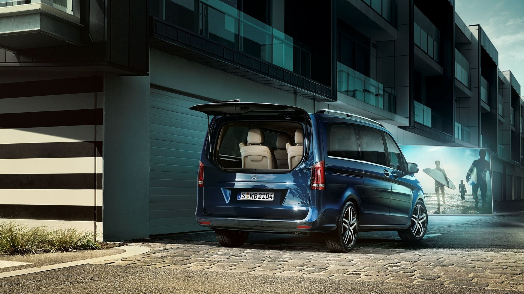 V-Class, features, highlights, impressive cargo capacity, storage